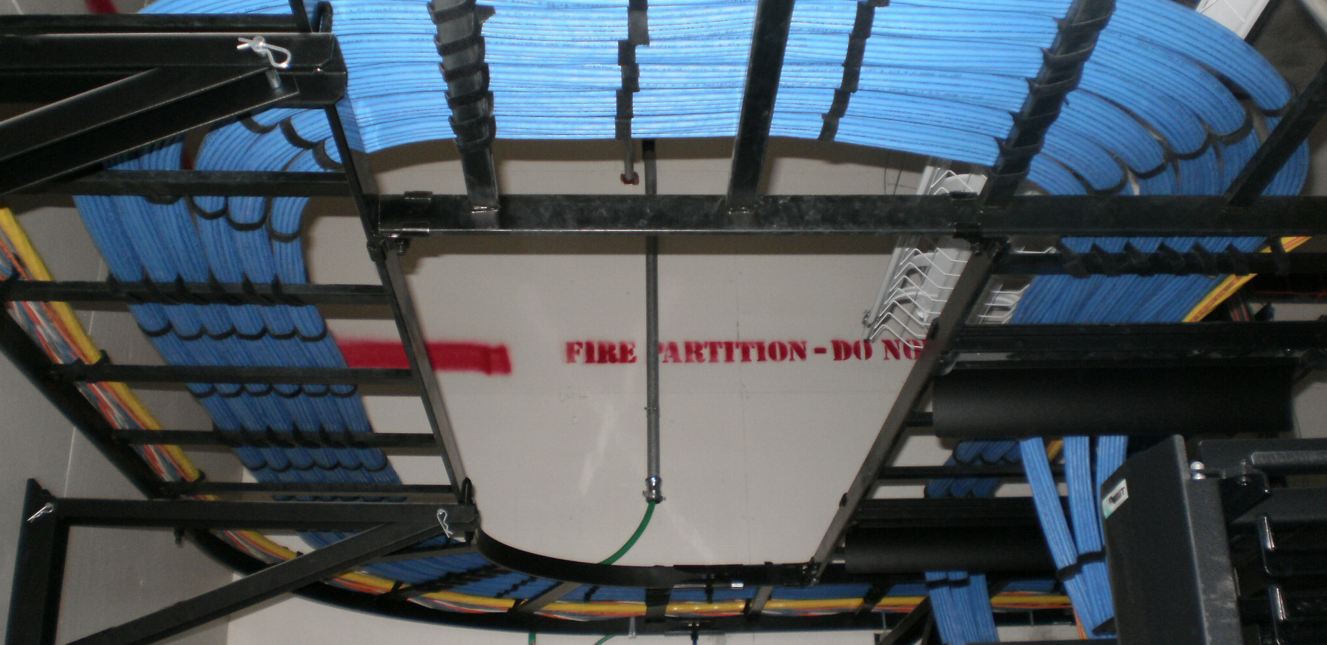 Structured Cabling and Ladder Rack