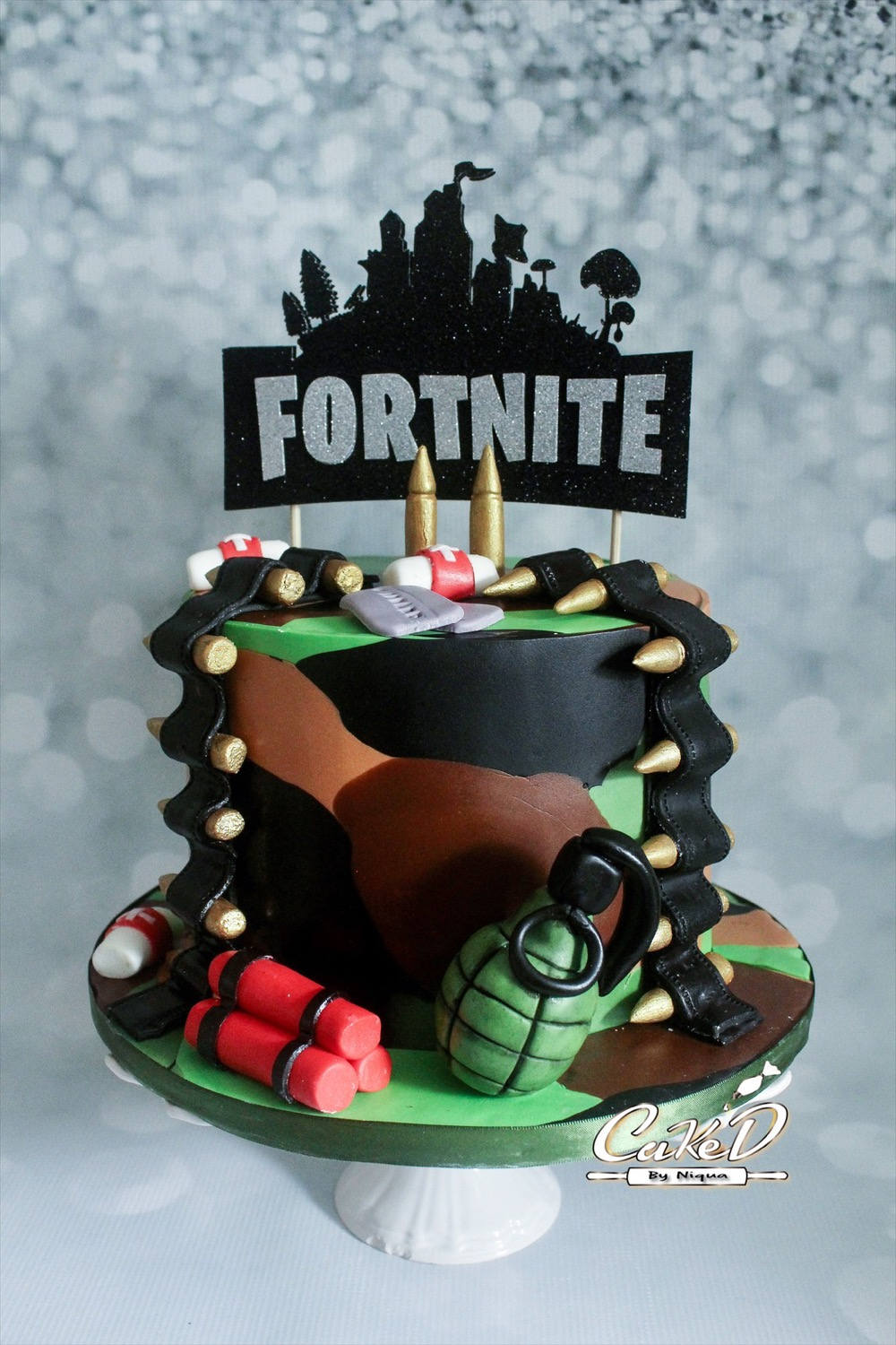 Fortnite Battle Royale Cake