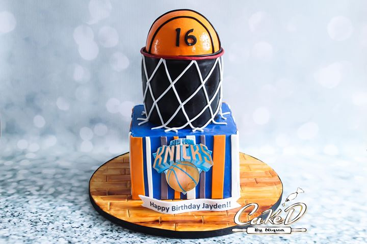 NY Knicks Basketball Cake