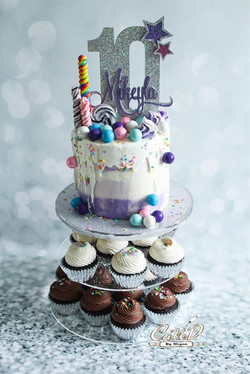 Drip Cake Cupcake Tower
