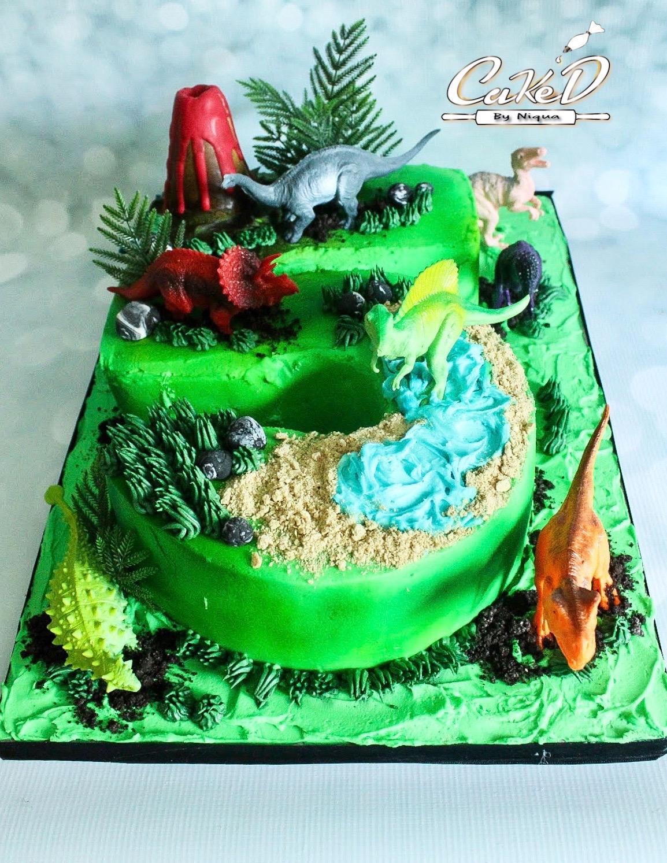 Number 5 Dinosaur Cake