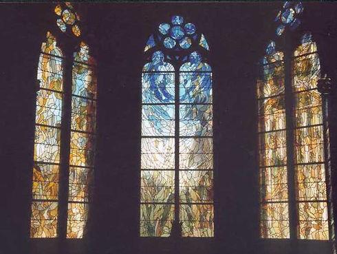 vitrauxVierge.jpg