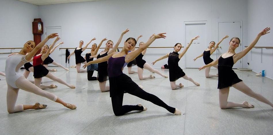 Ballet_2015_class.jpg
