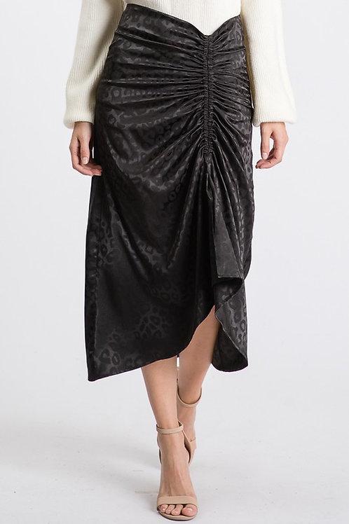 Falda negra estampada