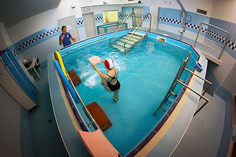 ginnastica medica in acqua fisioterapia idrokinesi terapia
