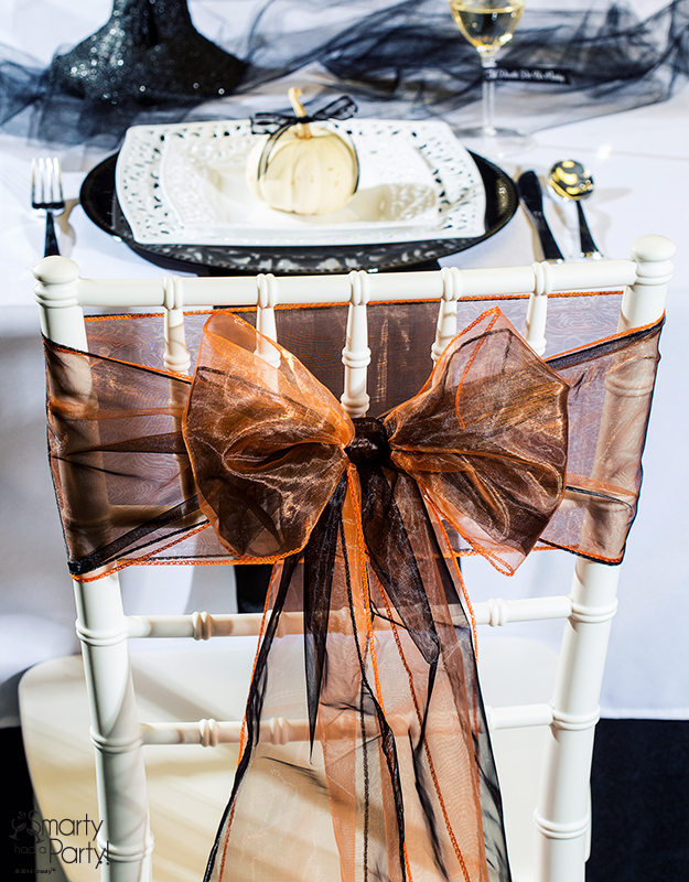 Halloween-Wedding-Table-Setting-Chair-De