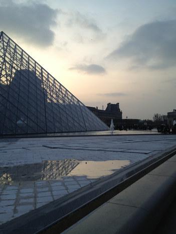 Louvre-Paris-Rain-Tracy-ColorExploration