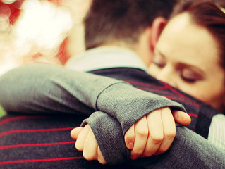 Sevgiyle sarılmak