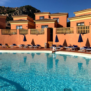 Hotel Sardinia_3.png