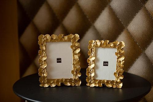 Set- 2 goudenkaders en stolpkaars