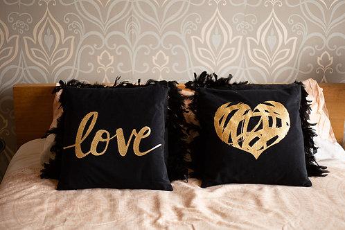 Kussens LOVE zwart met goud-2 stuks
