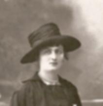 Marie Santacreu 1917.png