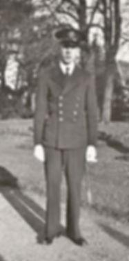 Eric Gille élève de l'Ecole Navale (1939), source archives familiales