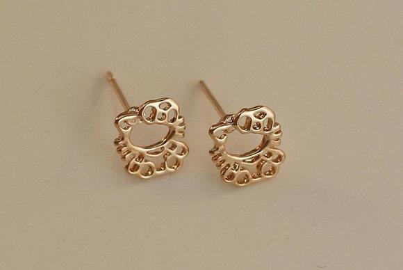 Hollow Sitting Hello Kitty Earrings