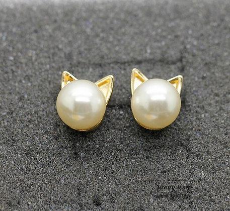 Pearl & Gold Cat Head Earrings