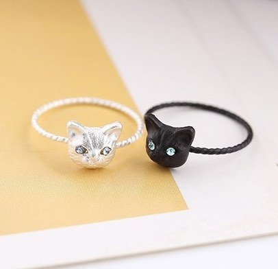 Blue Crystal Eyed Cat Face Ring