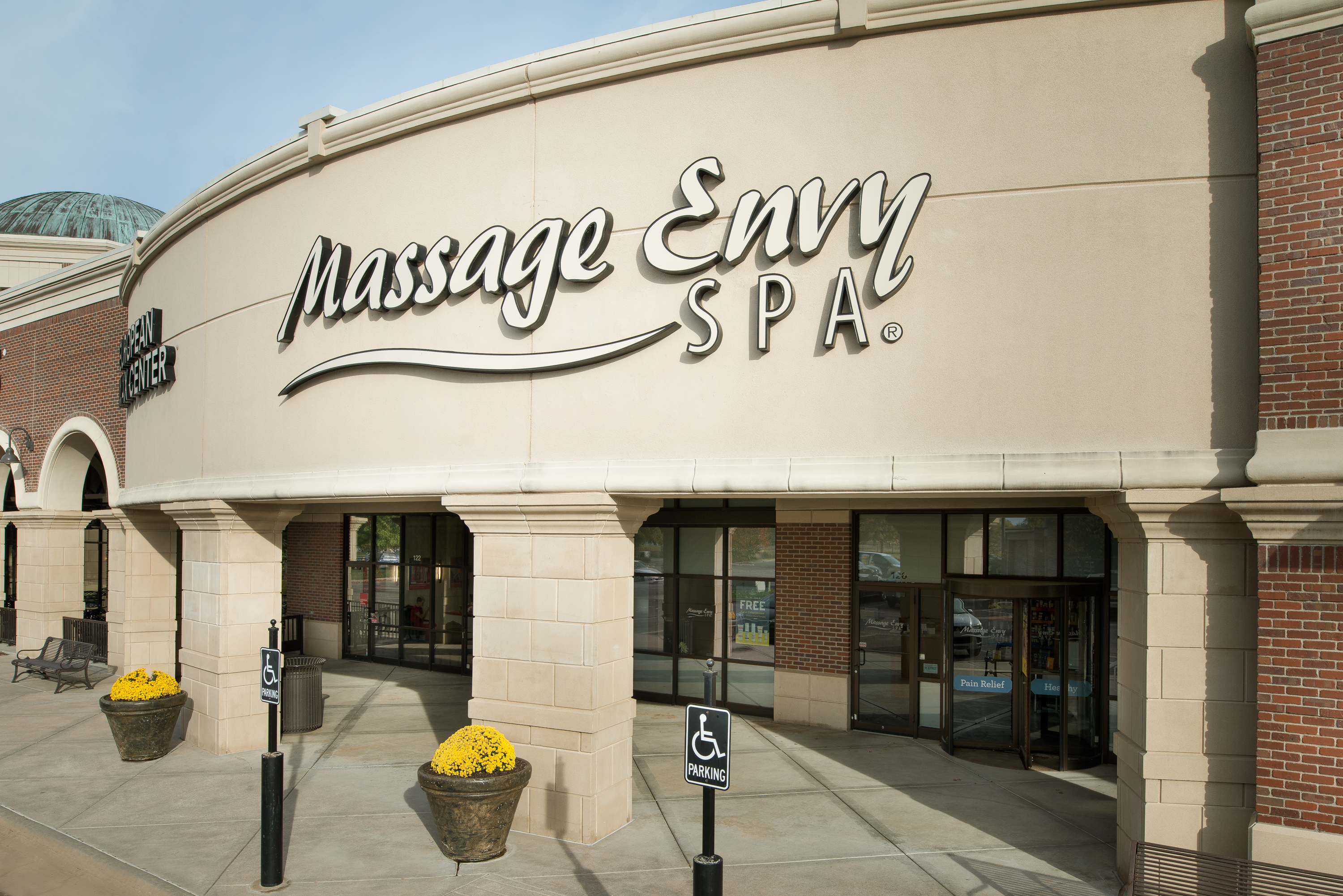 Massage Envy Exterior