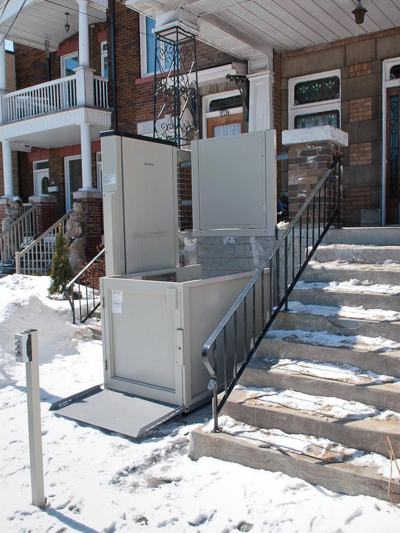 Wheelchair Lift1.jpg