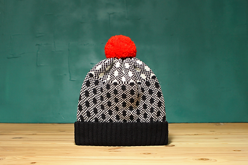 Black Noise Detachable Pompom Beanie