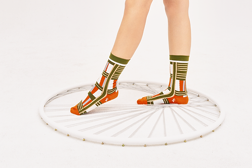 Ladders Transparent Sheer Socks / Army Green