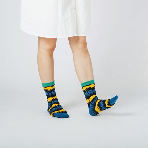 Wave Unisex Crew Socks / Black / Yu Square x inBlooom