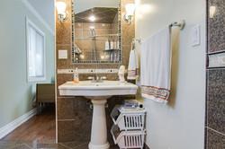 Room 3/Private Bath