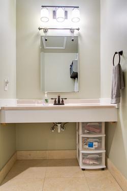 Room 4/Private Bath