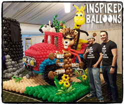 First Place Large Balloon Sculpture