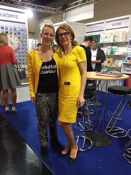 Vanessa und Inge Szoltysik-Sparrer auf der H und H in Köln