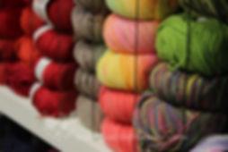 Wolle zum Stricken und Häkeln für Kinder und Babies aus der KomMode