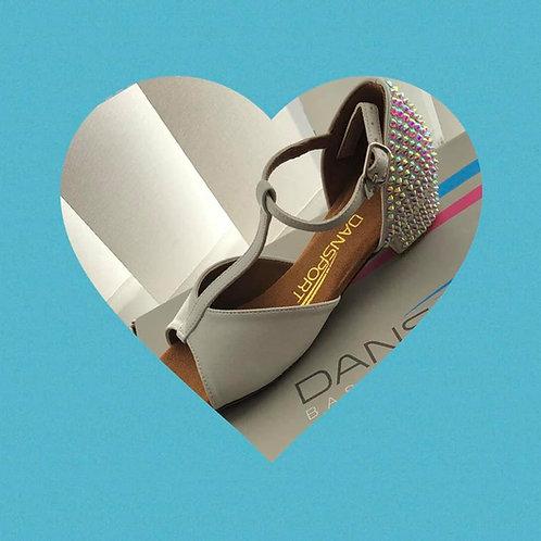 Snow White Juvenile Latin shoe
