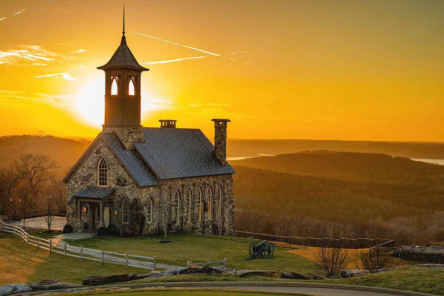 chapel-of-the-ozarks-golden-sunset-at-to