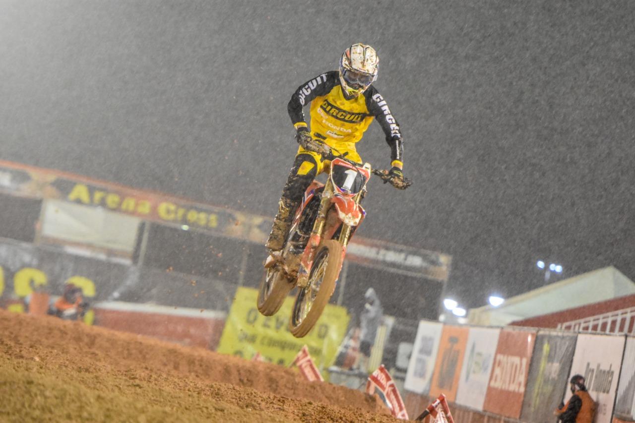 Lucas Dunka foi o campeão na AX2