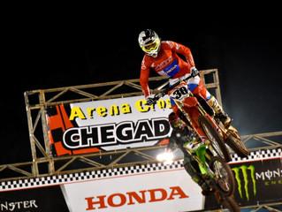 Hector Assunção vence a segunda etapa do Arena Cross em Ilhabela