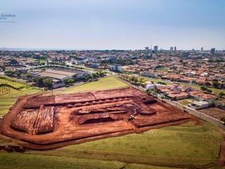 Estrutura do Arena Cross já começa a mudar a paisagem da cidade de Ourinhos