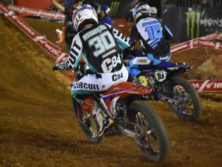 Grande final do Arena Cross coloca frente a frente grandes nomes do motocross na disputa pelo título
