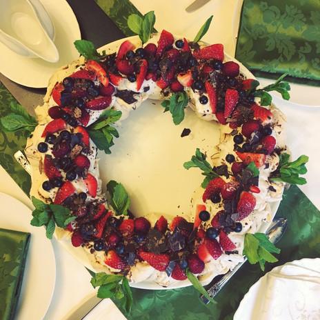 Meringue wreath.JPG