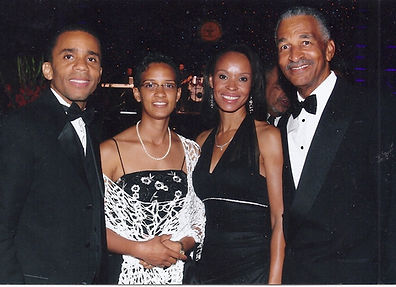 Mr._and_Mrs._Christopher_Smitherman_with