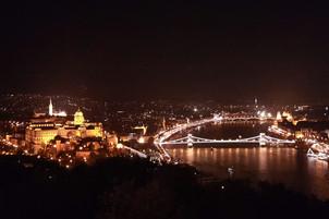 Skyline von Budapest bei Nacht