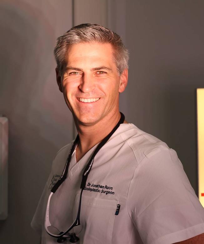 Photo of Dr Roos.jpg