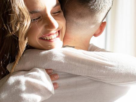 Får du ikke med deg partneren din i parterapi? Dette kan du prøve.