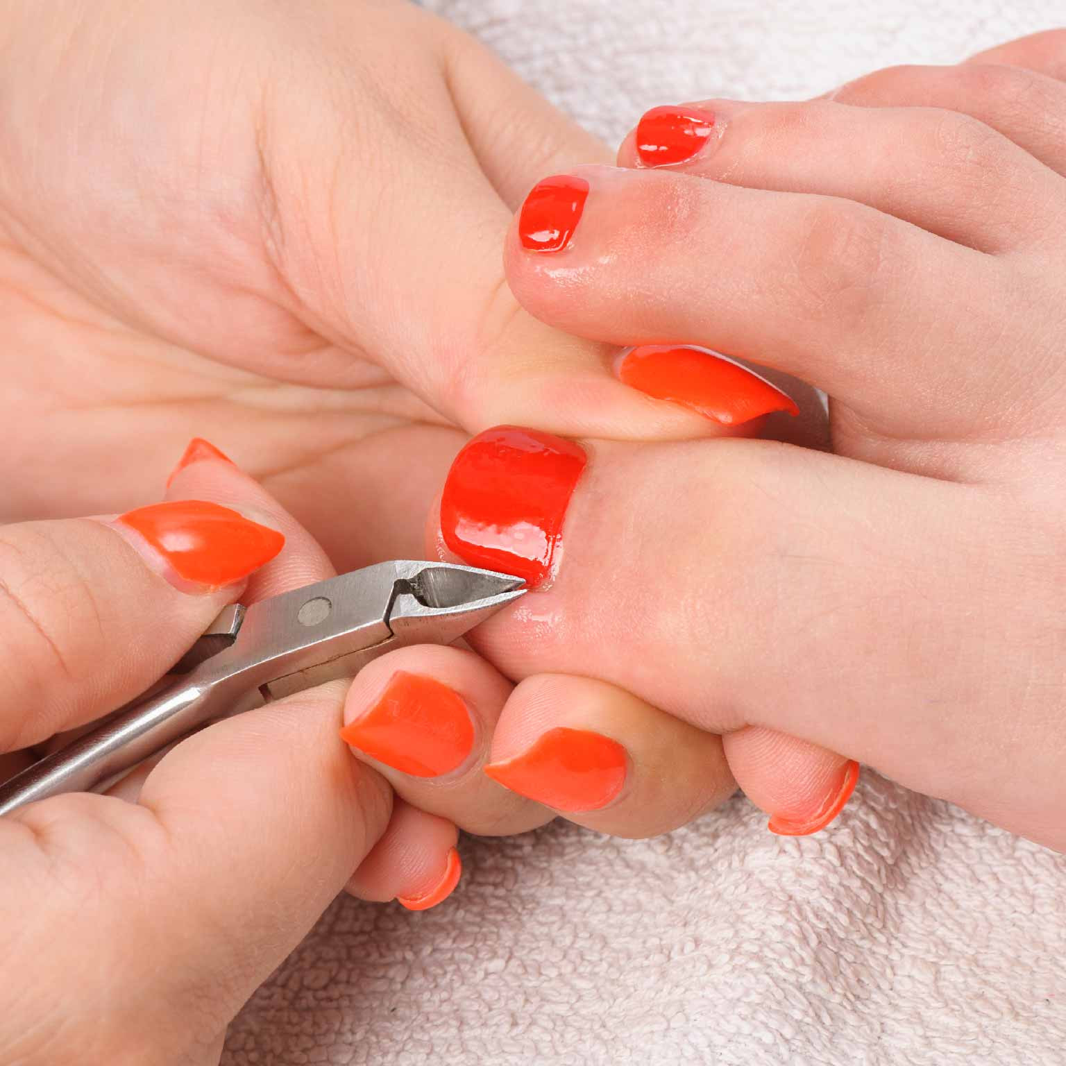 Cuticle Trim Feet
