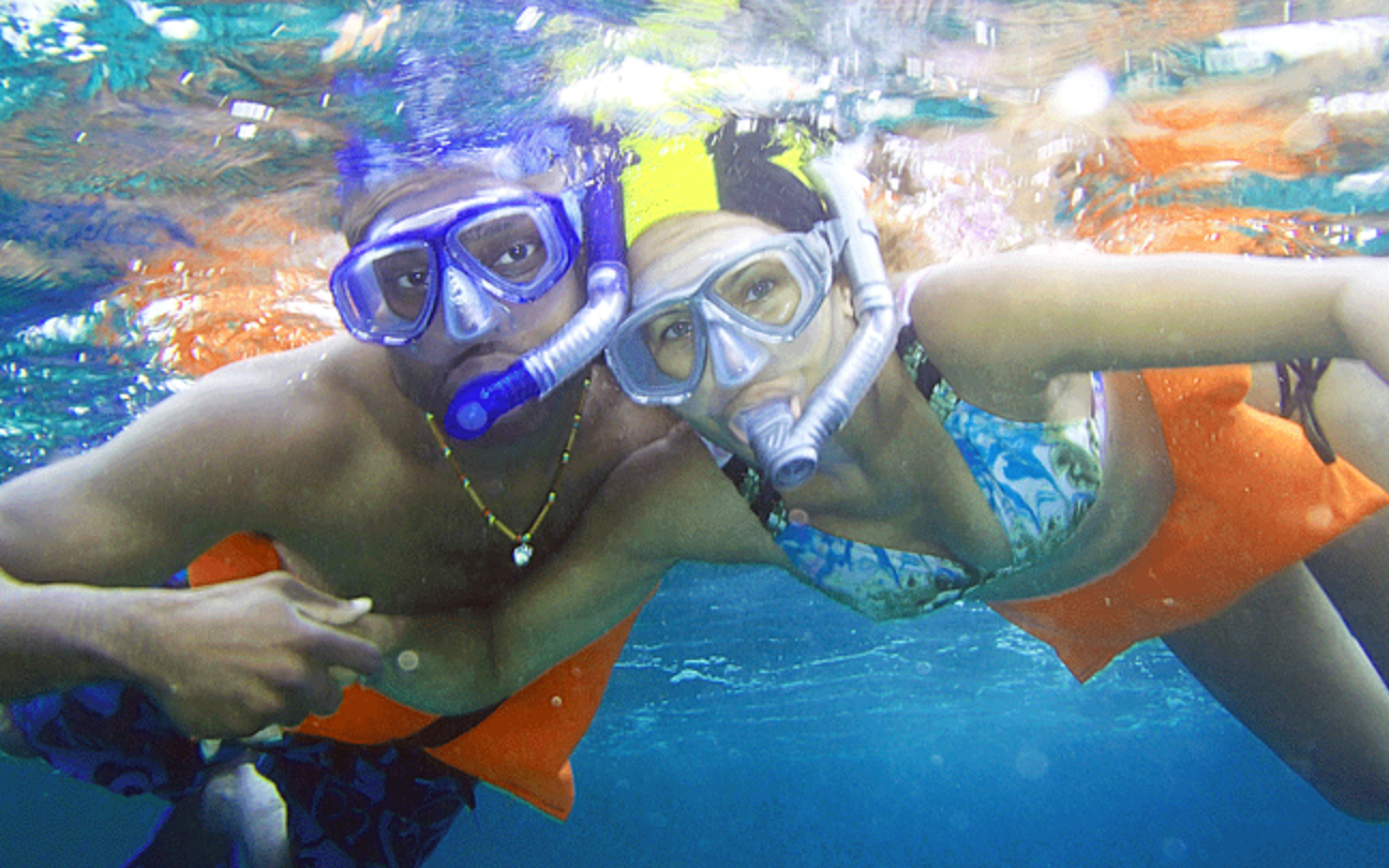 SNORKELING AT THE REEF