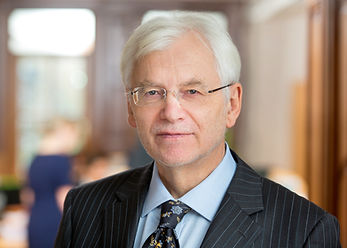 Dr. Friedrich Schwank