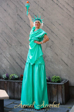 AAE Statue of Liberty Stilt Walker IMG_9