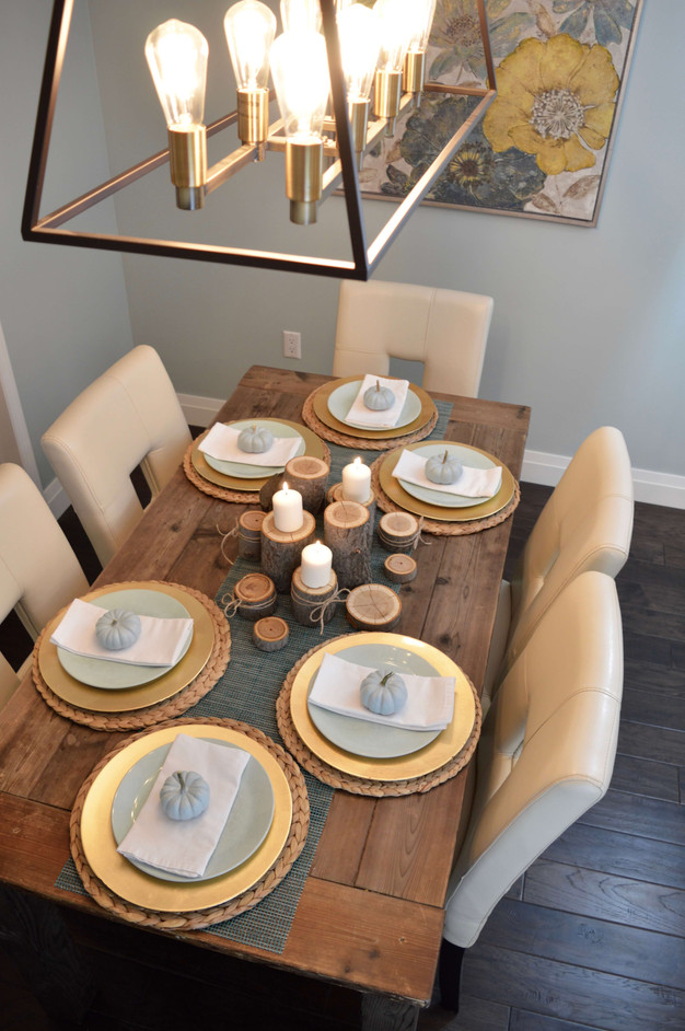 A SIMPLE AND ELEGANT THANKSGIVING TABLE SETTING