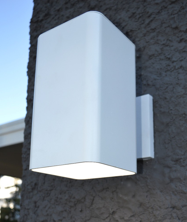 A LIGHTENED LOOK FOR EXTERIOR LIGHTING