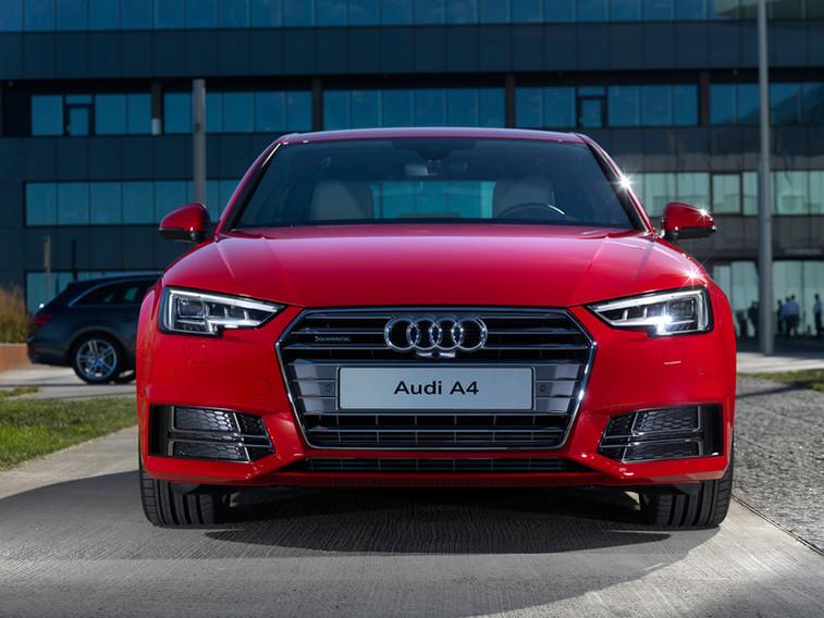 Audi A4 2015 020.jpg