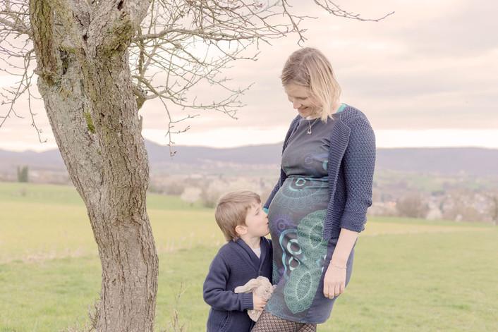 futur grand frère et futures maman