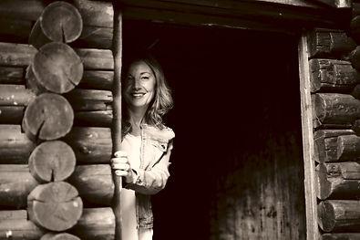 Séance photo manequin dns les bois, chalet